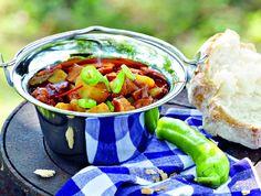 Egy finom Bográcsos pincepörkölt ebédre vagy vacsorára? Bográcsos pincepörkölt Receptek a Mindmegette.hu Recept gyűjteményében!
