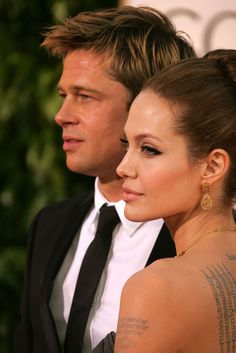 Actors Brad Pitt and Angelina Jolie arrive at the Annual Golden. Angelina Jolie Makeup, Angelina Jolie Pictures, Brad Pitt And Angelina Jolie, Jolie Pitt, Julie Andrews, Julia Roberts, Stana Katic, Audrey Hepburn, Taylor Swift