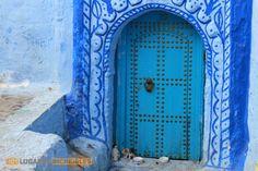 Guía para visitar Chefchauen, la ciudad azul de Marruecos When One Door Closes, Color Azul, Morocco, Home Decor, City, Cities, Blue Nails, Viajes, Colors