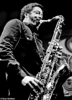 Johnny Griffin at Keystone Korner, San Francisco © Brian McMillen Saxophone Reeds, Jazz Saxophone, Jazz Artists, Jazz Musicians, Joe Henderson, Simpsons Drawings, Sax Man, Marching Band Memes, Band Jokes