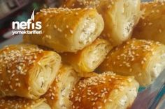 Pratik Çıtır Börek Tarifi Food Platters, Arabic Food, Homemade Beauty Products, Cupcakes, Baked Potato, Tea Time, Health Fitness, Baking, Chicken