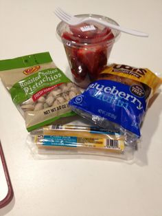 We know grabbing a GF/Diabetic lunch on the go can be tricky. But look at this perfect Brianna-friendly lunch.