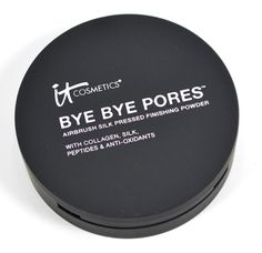 I love IT Cosmetics Bye Bye Pores Silk HD Anti-Aging Micro-Powder, so when I heard about the Bye Bye Pores Pressed Finishing Powder, I was really psyched!