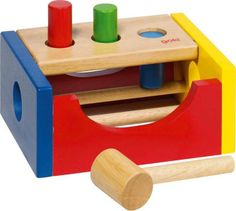 Natural and high quality toys to the development of the skills of children. Hammer bench