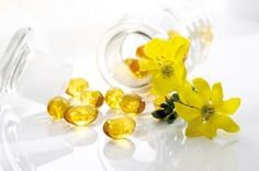 Psoriasis Free For Life - Benefits of Evening Primrose Oil for Natural Skin Care Wrinkles Dry scalp and hair Overweight PMS Brittle nails Acne, when taken with zinc Eczema and Psoriasis Psoriasis Free For Life - Evening Primrose Oil Benefits, Psoriasis Diet, Inflammation Causes, Oil For Hair Loss, Home Remedies For Acne, Carrier Oils, Herbal Remedies, Natural Skin Care, Natural Beauty