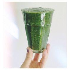 Dans la cuisine de Rens Kroes : green juices jus vert recette blender sain healthy livre de recettes cuisine http://www.vogue.fr/beaute/nutrition/diaporama/dans-la-cuisine-de-rens-kroes/20370/carrousel