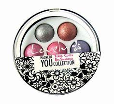 Cienie Terracota   Wykonaj makijaż nowymi zestawami cieni Terracota, dzięki którym poznasz moc przyciągania spojrzeniem. W najmodniejszych odcieniach sezonu, rozświetlą  Twój makijaż. Idealnie na letnie party!