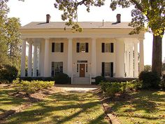 """ANTEBELLUM means """"before war"""" in Latin. The term Antebellum refers to elegant plantation homes built in the American South during the 30 years or so preceding the Civil War. Antebellum is not a particular house style. Southern Plantation Homes, Plantation Style Homes, Southern Mansions, Southern Plantations, Southern Homes, Plantation Houses, Southern Living, Greek Revival Architecture, Southern Architecture"""