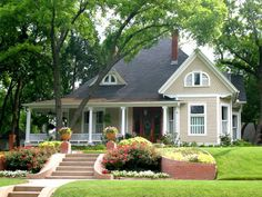 outdoor paint colors for 1940 house | Beautiful Paint Color Ideas for House Exterior