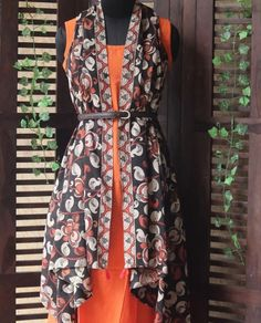 Beautiful maaticraft hand block printed jacket Ethnic Fashion, Indian Fashion, Indian Outfits Modern, Kurti With Jacket, Clothes 2019, Cotton Suit, Print Jacket, Woman Clothing, Salwar Suits
