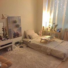 How to Create the Minimalist Dorm Room of Your Dreams - spaces/ interior/ home - Small Room Bedroom, Home Bedroom, Bedroom Decor, Bedroom Loft, Night Bedroom, Bedroom Photos, Decor Room, Bed Room, Minimalist Dorm