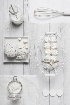Food Rings Ideas & Inspirations 2017 - DISCOVER Monochromatic Food Photography bu Isabella Vacchi Discovred by : Ophélie's Kitchen Book Food Photography Styling, Photography Projects, Food Styling, Product Photography, Sinful Colors, Monochrome Photography, White Photography, Photography Composition, Shades Of White