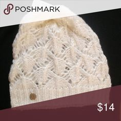 Liz Claiborne Open Knit Hat NWT New never worn. Soft and feminine. Great stocking stuffers please note: ivory is the only color available. Liz Claiborne Accessories Hats