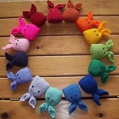 This is a colorful knitting pattern you can make for your cat. Catnip bunnies is not only a great toy but it tastes great too. DK yarn is used.