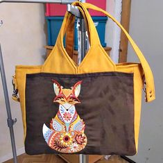Sac Foxtrot broderie renard cousu par Sylvie - Patron Sacôtin Bags, Fashion, Fox Embroidery, Sewing, Boss, Handbags, Moda, Fashion Styles, Taschen