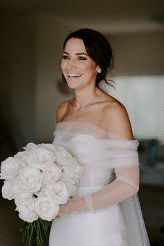 Wedding dresses - gorgeous bridal gown, minimalistic look bride naturalmakeup gourgouswedding weddinggoals Perfect Wedding, Dream Wedding, Wedding Day, Rustic Wedding, Diana Wedding, Wedding Decor, Wedding Goals, Wedding Attire, Dream Dress