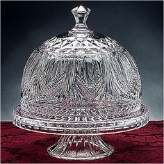 For entertaining, interesting décor and more, cake plates are soooo in right now, and we love this multi-talented Godinger Kensington Cake Dome. Cake Plate With Dome, Cake Stand With Dome, Cake Dome, Cupcake Stands, Kitchenaid, Crystal Cake Stand, Cake Pedestal, Cake Carrier, Dessert Aux Fruits