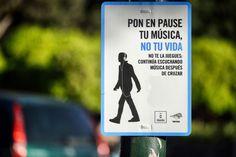 Murcia te recuerda que no mires el móvil mientras cruzas ► http://verne.elpais.com/verne/2015/03/30/album/1427711169_860086.html