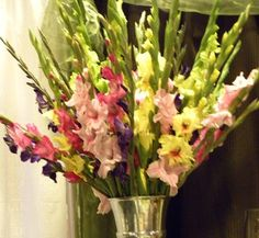 Gladiolus - inexpensive, have a long season, come in many colors. Would make great wedding flowers! Wedding Stuff, Dream Wedding, Wedding Ideas, Gladiolus Wedding Flowers, Summer Flowers, Aunt, Flower Power, Bouquets, Wedding Decorations