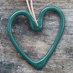 Priip - Keramik håndlavet julehjerte i petroleum/mørkegrøn