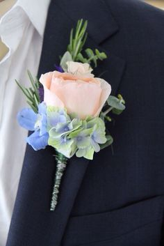 blue wedding flowers images for the bridal bouquet and wedding decorations - Page 35 of 100 - Wedding Flowers & Bouquet Ideas Pastel Blue Wedding, Blue Wedding Flowers, Summer Wedding Colors, Bridal Flowers, Floral Wedding, Wedding Colours, Bridal Bouquets, Peach Wedding Bouquets, White Flowers
