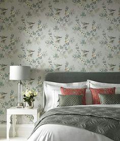 Romantyczna sypialnia w stonowanych kolorach. Tapeta w ptaszki. 1838