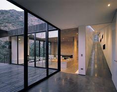 Raveau House / Felipe Assadi & Francisca Pulido