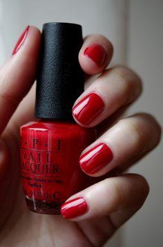 O.P.I Big Apple Red, from Mimine (la fille avec les plus beaux ongles vernis de TOUT le web).