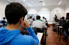 O assunto está ainda em debate, mas o Ministério da Educação pretende reduzir de forma progressiva o número de alunos por turma. Primeiro passo está a ser preparado