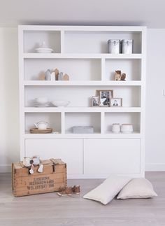 Open cupboard idea for living room media unit Room, Home Living Room, Modern Bookcase, Interior, Bookcase, Home Decor, House Interior, Home Deco, Shelving