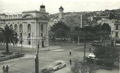 Biblioteca Santiago Severin, fines de la década del 50 Louvre, Building, Travel, Random, Vintage, Social Stories, Historical Photos, Old Pictures, Scenery