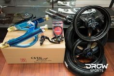 The last updatewe were trying out the New K-Tech Forks and Rear Shocks, we also installed the Sato Racing Rearset. I finally got the bike painted…