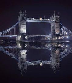 ✮ Tower Bridge - one of London's famous monuments Gateshead Millennium Bridge, Wild Is The Wind, Pont Du Gard, Famous Bridges, Famous Monuments, Tower Bridge London, Over The Bridge, Cornice, Statues