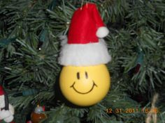 2009 Xmas light bulb Ornament-Smile Face