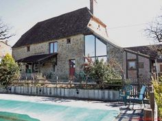 Thegra / Lot - For sale a lovely barn conversion with a swimming pool. room for Paddy! French Property, Lots For Sale, Property For Sale, Swimming Pools, Places To Go, Barn, Mansions, House Styles, Outdoor Decor