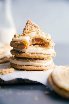 Frosted Honey Graham Cookies Iced Pumpkin Cookies, Cinnamon Roll Cookies, Crispy Chocolate Chip Cookies, Chocolate Slice, Filled Cookies, Sweet Cookies, Sweet Treats, Delicious Cookie Recipes, Easy Cookie Recipes