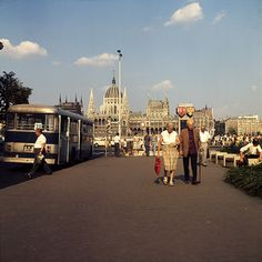 Old Pictures, Old Photos, Most Beautiful Cities, Budapest Hungary, Historical Photos, Arch, Landscapes, Goodies, Street View