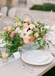 Warm sunset toned table decor: http://www.stylemepretty.com/2016/08/24/a-sun-sky-wedding-palette-youll-be-obsessed-with/ Photography: Jose Villa - http://josevilla.com/