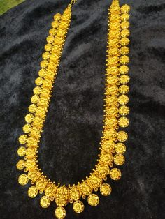 Indian Jewellery Design, South Indian Jewellery, Jewellery Designs, Indian Jewelry, Gold Wedding Jewelry, Bridal Jewelry, Gold Jewelry, Concrete Crafts, Gold Designs