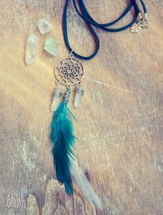 Feathers Dreamcatcher Necklace. Bohemian White by KandyDisenos