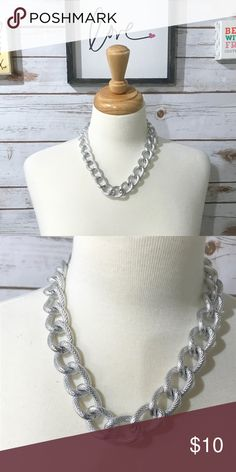 🕊 Silver Statement Necklace 🕊 No tarnish! I bought this necklace from another posher and I did not like it. I'm also trying to minimize my closet. I do accept reasonable offers!   If you really like this necklace checkout my other listing same stumble but gold color. Jewelry Necklaces