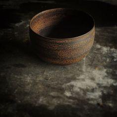 """錆漆丸碗 """"sabi urushi""""bowl  #大浦裕記#うつわ#器#錆#漆#bowl #ceramics #pottery #clay"""