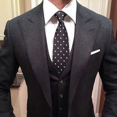 fall mens fashion which look cool 518496 Gentleman Mode, Gentleman Style, Sharp Dressed Man, Well Dressed Men, Mens Fashion Suits, Mens Suits, Fashion Edgy, Classy Fashion, Fashion 2018