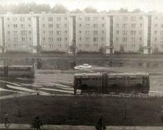 24 июня 1983 года. Иманта-1. На следующий день после Лиго. Автобусы пробираются по залитой дождем улице Попова (автор фото: Viktor vzМorskij. В…)...