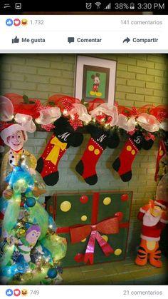 FREE Santa Hat /& Cello Bags Santa Claus Pinata Kit Pinata Buster Pinata Blindfold Santa Pinata