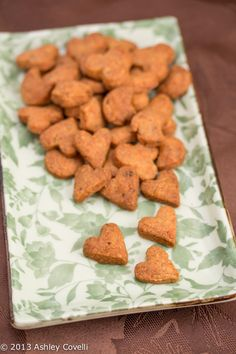 Homemade Toddler Snacks: Whole Wheat Cheddar Crackers | Big Flavors from a Tiny Kitchen