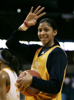 She is a very pretty player also! Candace Parker, Sport Inspiration, Wnba, Gladiators, Texans, Basketball Players, Female Athletes, Playground, All Star