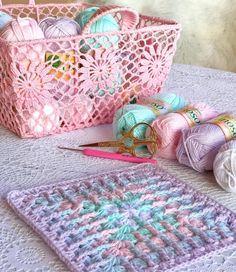 """1,719 Beğenme, 87 Yorum - Instagram'da Gülay Pervelı DEĞİRMENCİ (@gulay_degirmenci): """"Örgü örmek size ne hissettiriyor? Yazar mısınız❤️"""" Straw Bag, Textiles, Blanket, Embroidery, Quilts, Photo And Video, Instagram, Bags, Creative Art"""