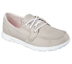 Iconic design and premium materials fuse with innovative SKECHERS GOimpulse Sensor technology to achieve the ultimate in comfort and style. Sporty comfortable leather textured fabric upper in a three eye lace up boat shoe with contrast accents.