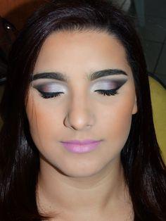 Make up by Domitila.